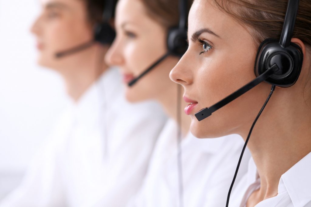 Call Center vs Contact Center, What's the Difference?
